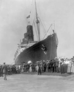 70_lusitania_in_ny_harbor_in_1907